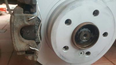 замена задних тормозных колодок приора