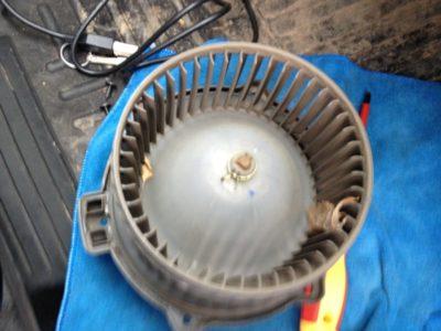 как поменять моторчик печки на приоре