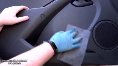 как убрать царапины на пластике в машине