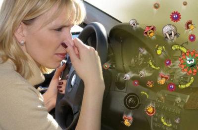 почему в машине пахнет бензином