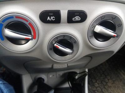 как включить кондиционер в машине
