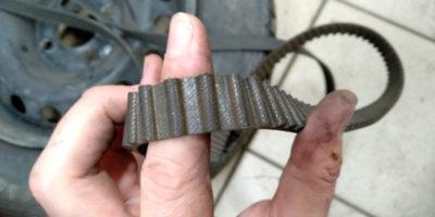 рено логан через сколько менять ремень грм