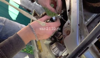 как открыть ваз 2110 без ключа