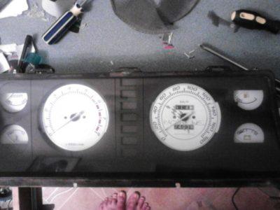как снять панель приборов ваз 21099