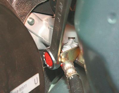 прокачка тормозов рено логан