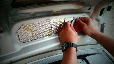 как открыть багажник тойота королла