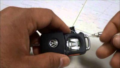 замена батарейки в ключе фольксваген