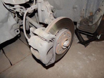 замена задних колодок рено логан