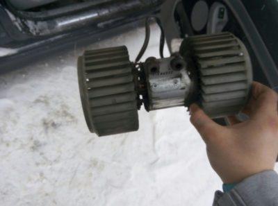 замена моторчика печки бмв х5 е53