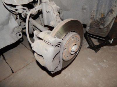 замена передних колодок рено логан 2